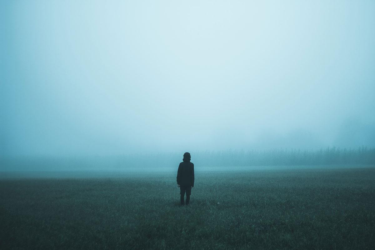 【Photoshopで遊ぼう】霧をフォトショップで作ってみよう!色も付けられる霧をフィルタのみで作る方法